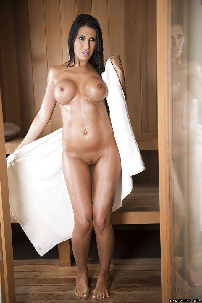 naked Women showing body off