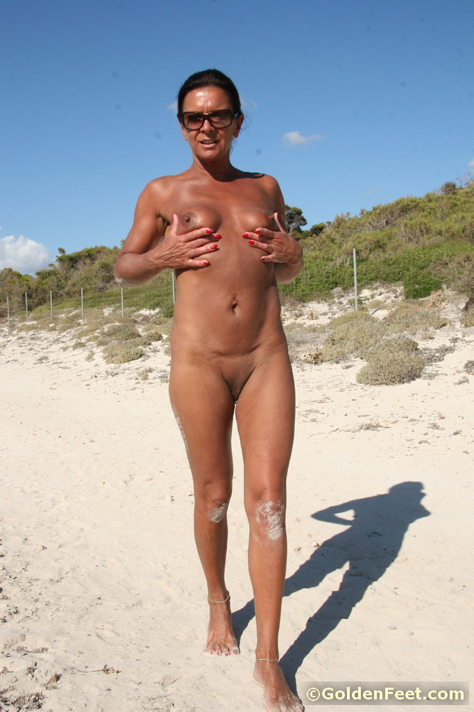 mature nudist beach photos