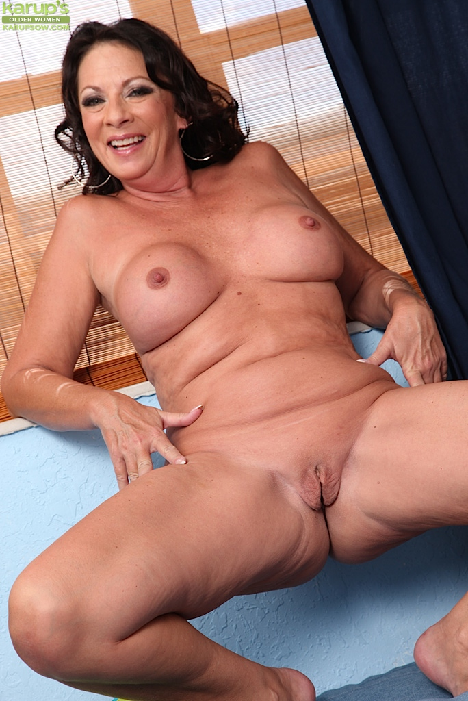 mature women Naughty
