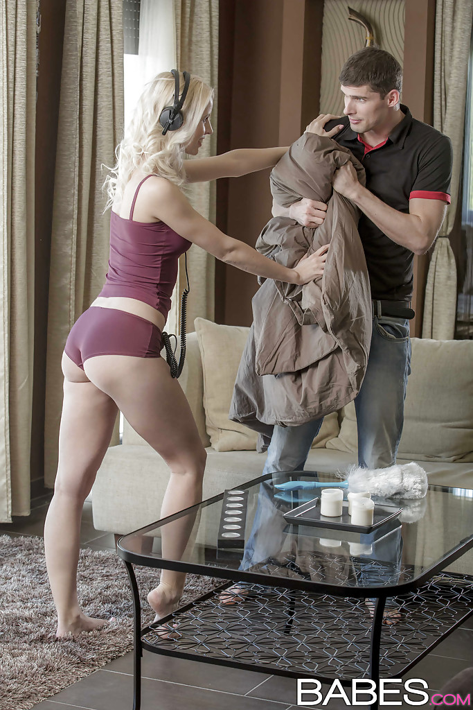 Hot blonde Kiara Lord hass her lingerie removed before blowing hubby's cock  1934970