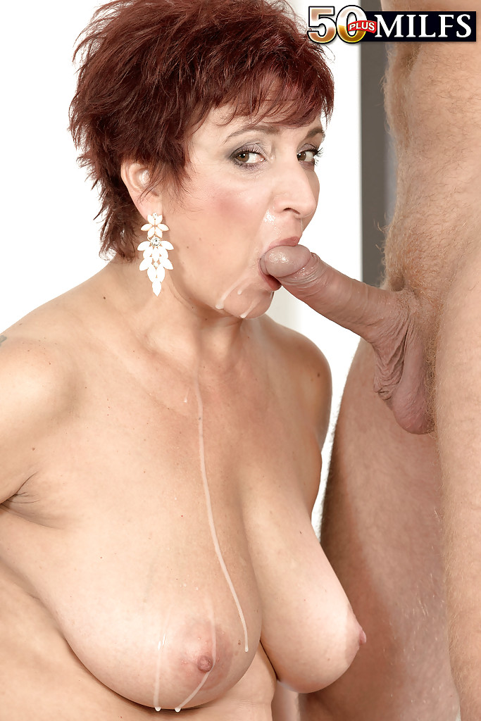 image Fucking hot milf show and play her pussy cam
