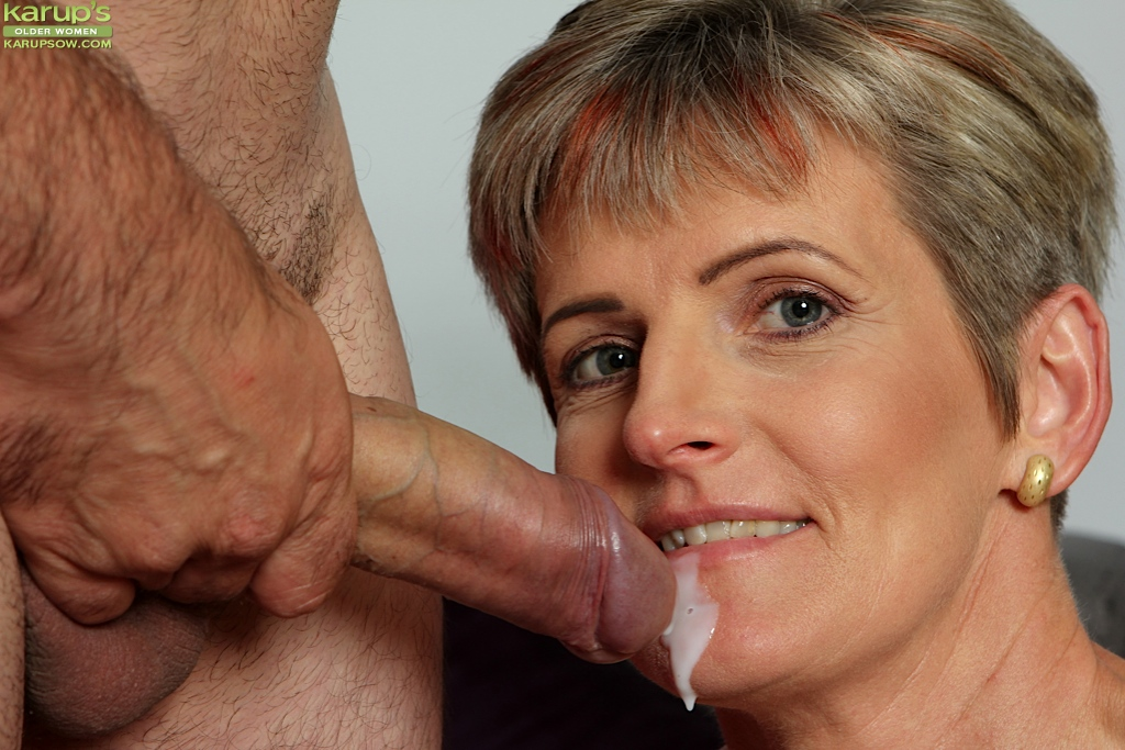 French deepthroat girl