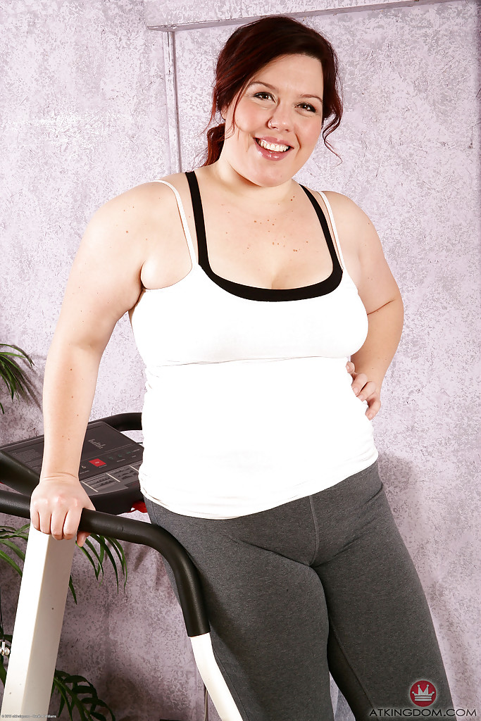 Lecherous mature gal with fatty curves uncovering her jugs and hairy gash  1515467