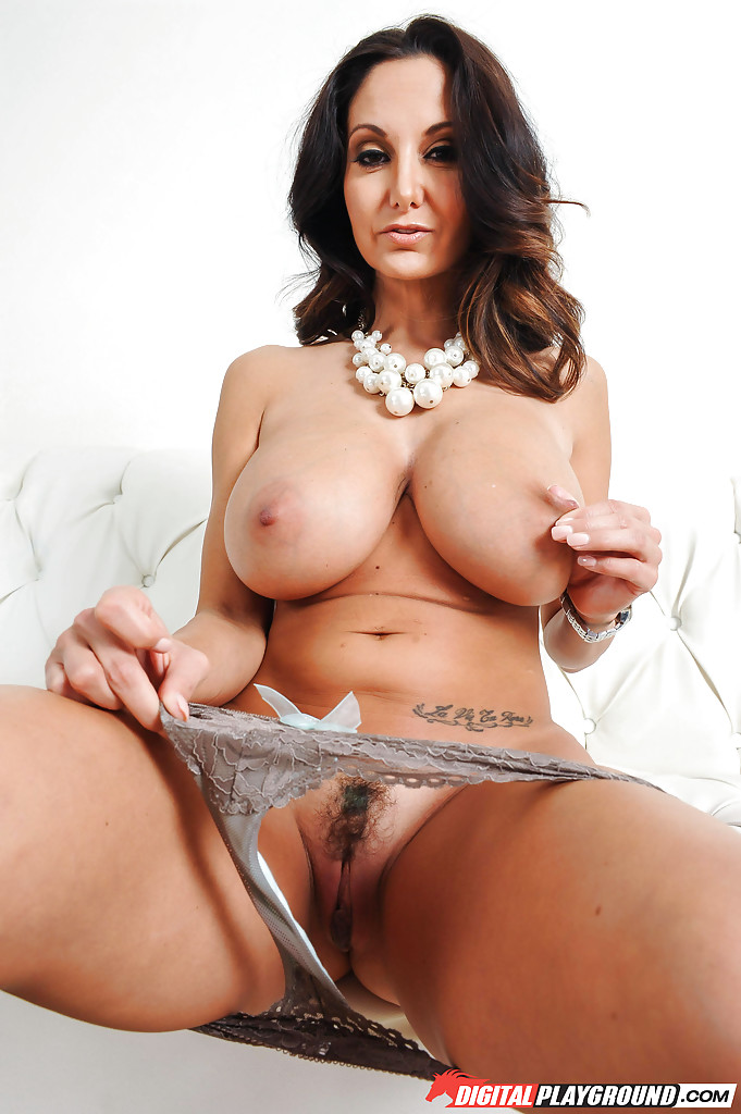 Ava addams huge boobs in action 8