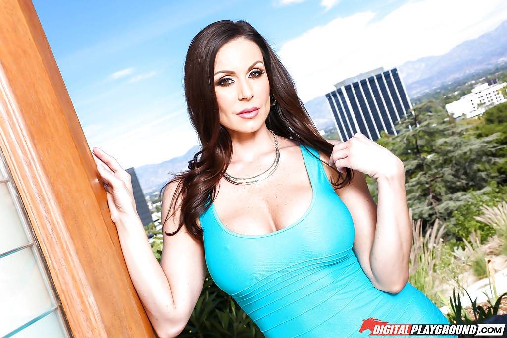 Top MILF pornstar Kendra Lust hookups with a massive black dick  2191092