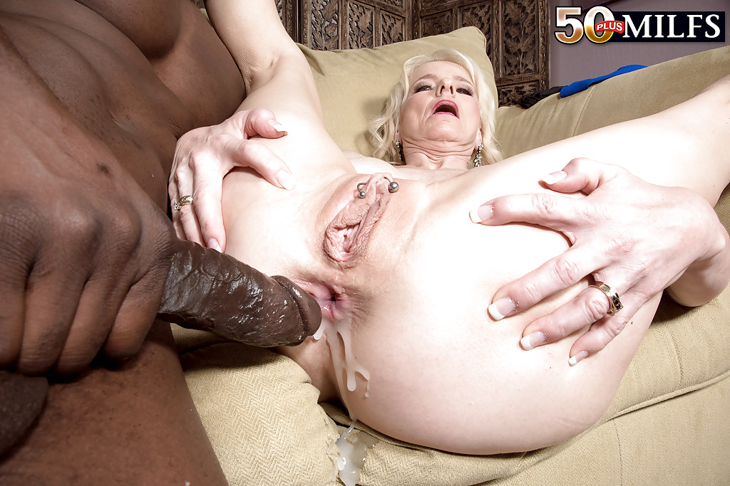 Creampie gangbang for older mature milf 4