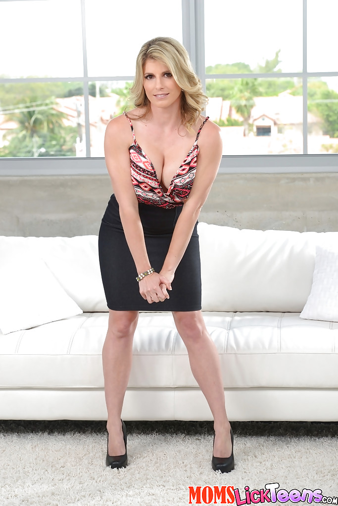 Solo MILF Cory Chase showing off large boobs in white stockings   418013
