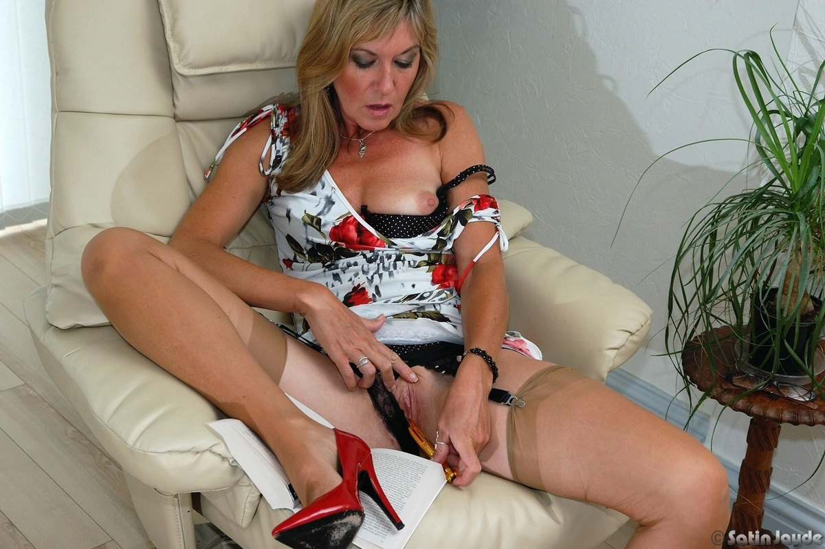Horny older african mature women pics there's