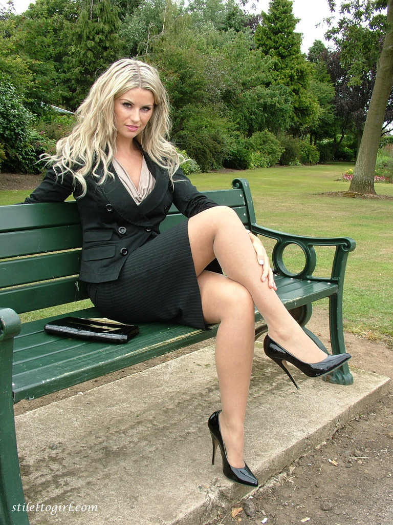 Blonde lady over 30 Samantha Jolie posing non nude outdoors in nylons  217877