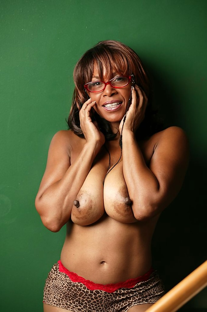 Big Tits Ebony Mature