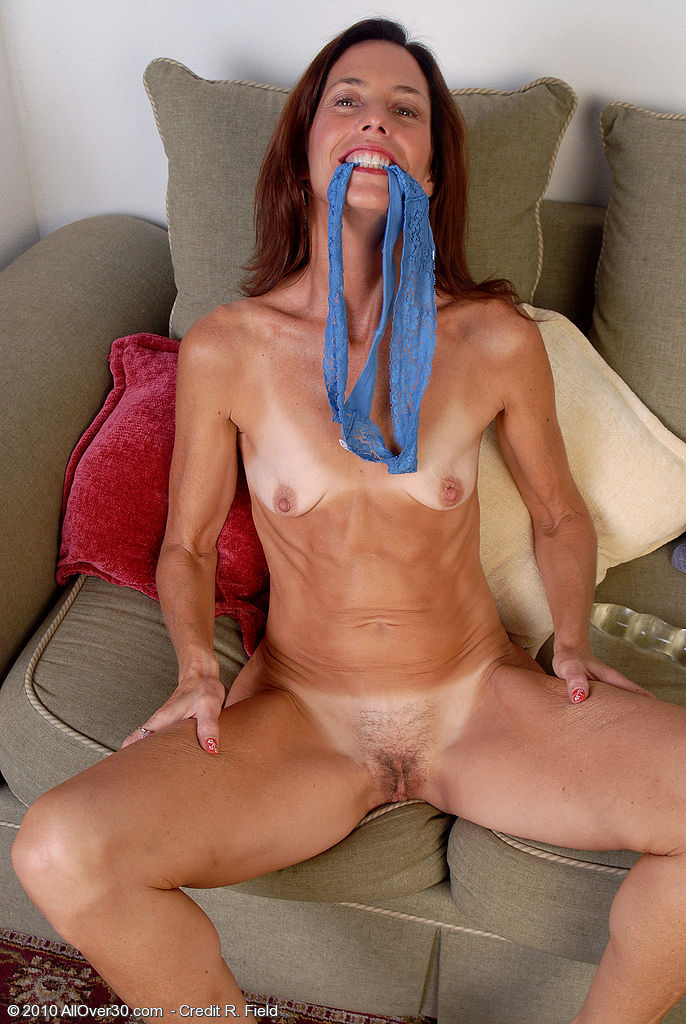 girls-giving-skinny-milf-anal-gallery-hairy-nude-barely