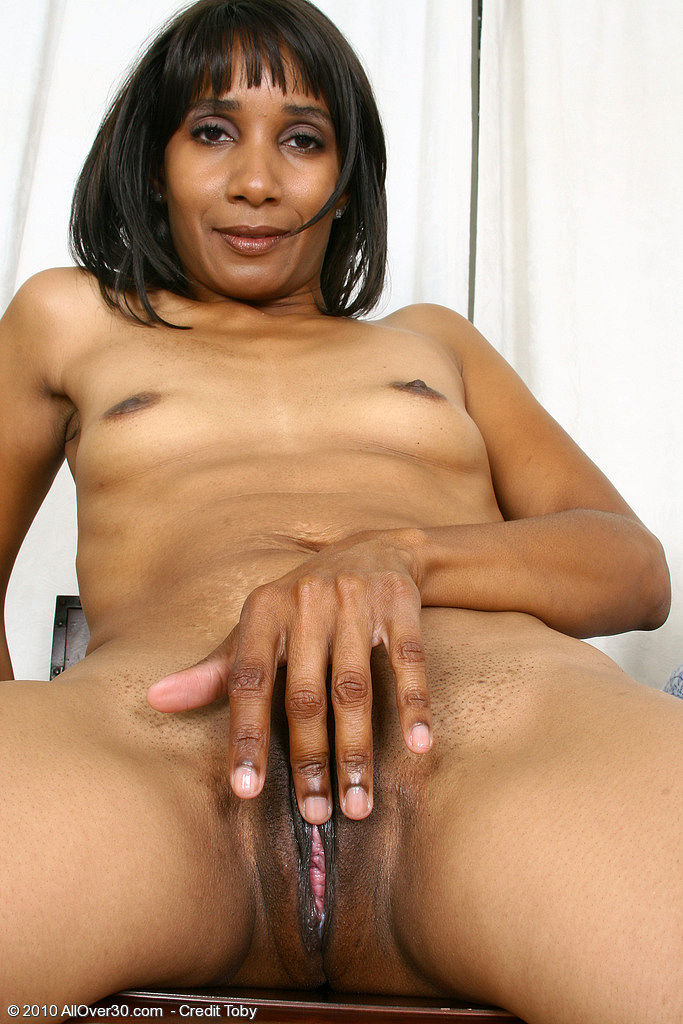 Black milf secretary fuck her boss to keep her job 8