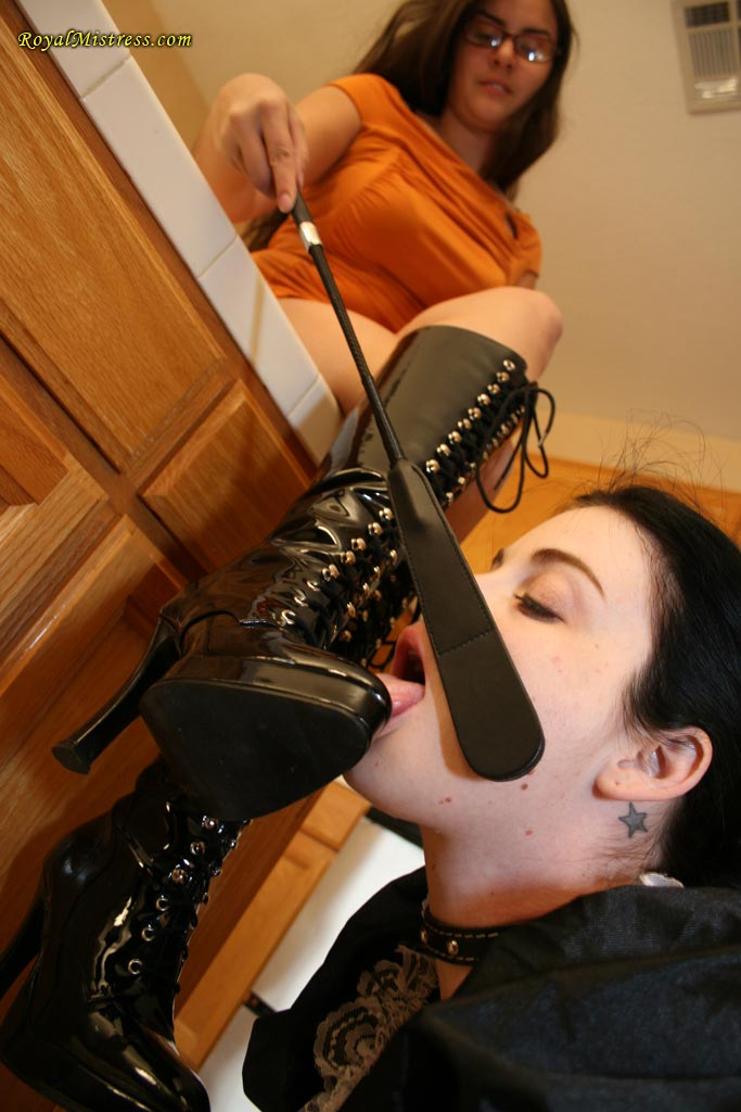 Worshiping women bdsm bist