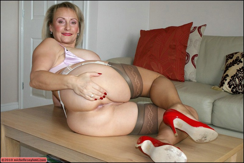 Chubby woman and pantyhose