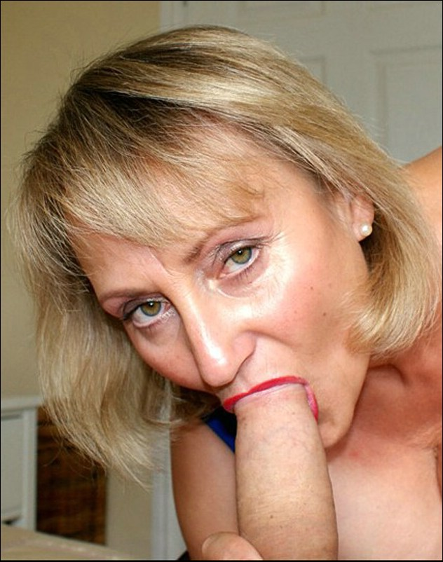 Mature Sucks A Juicy Cock