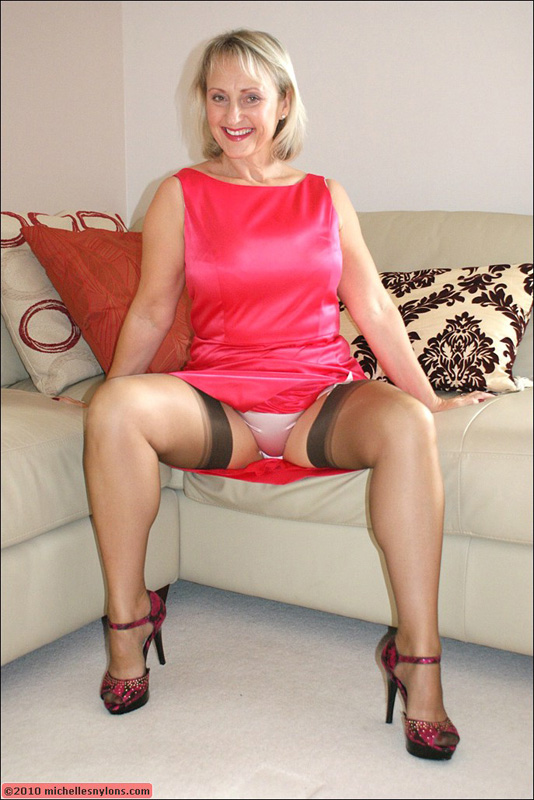 Mature woman teasing in nylons