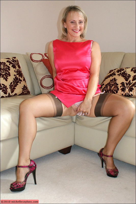 Mature nylon stocking tease