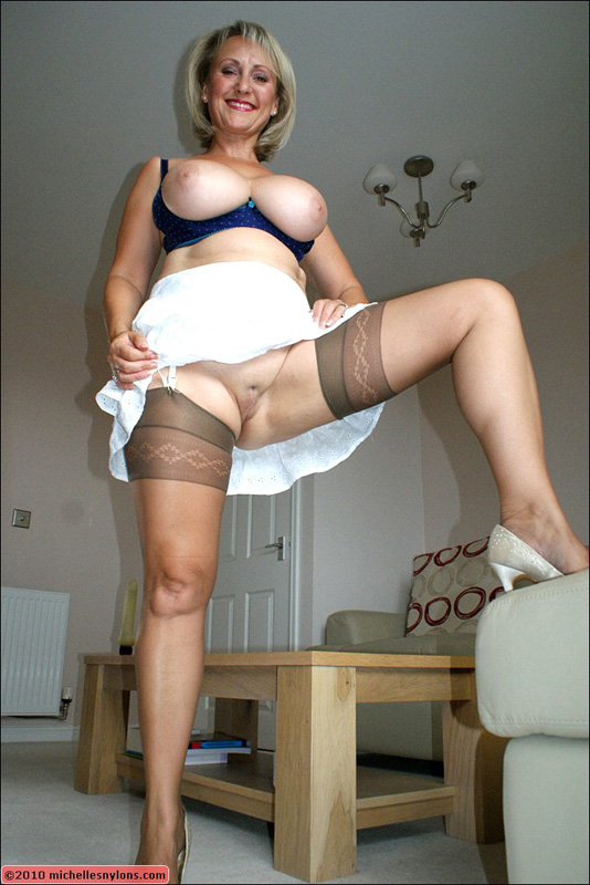 stockings upskirt wearing mature women