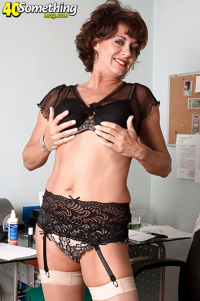 40 plus milf loves to fuck - 1 4