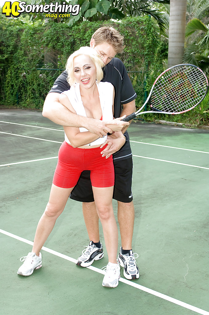 Mom cumshot tennis