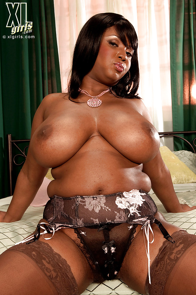 Big fat black women nude porno pic
