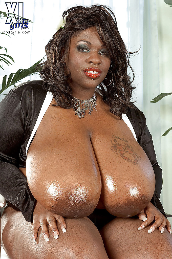 Black chick with big tits