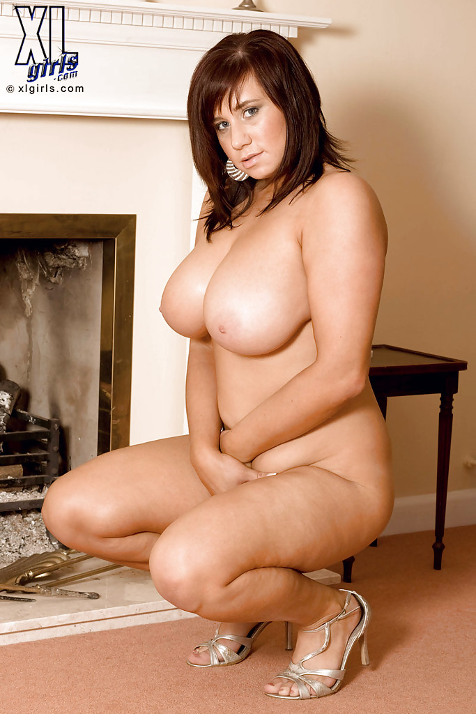 Sexy Brunette Hot Nude Fat Girls In Chains
