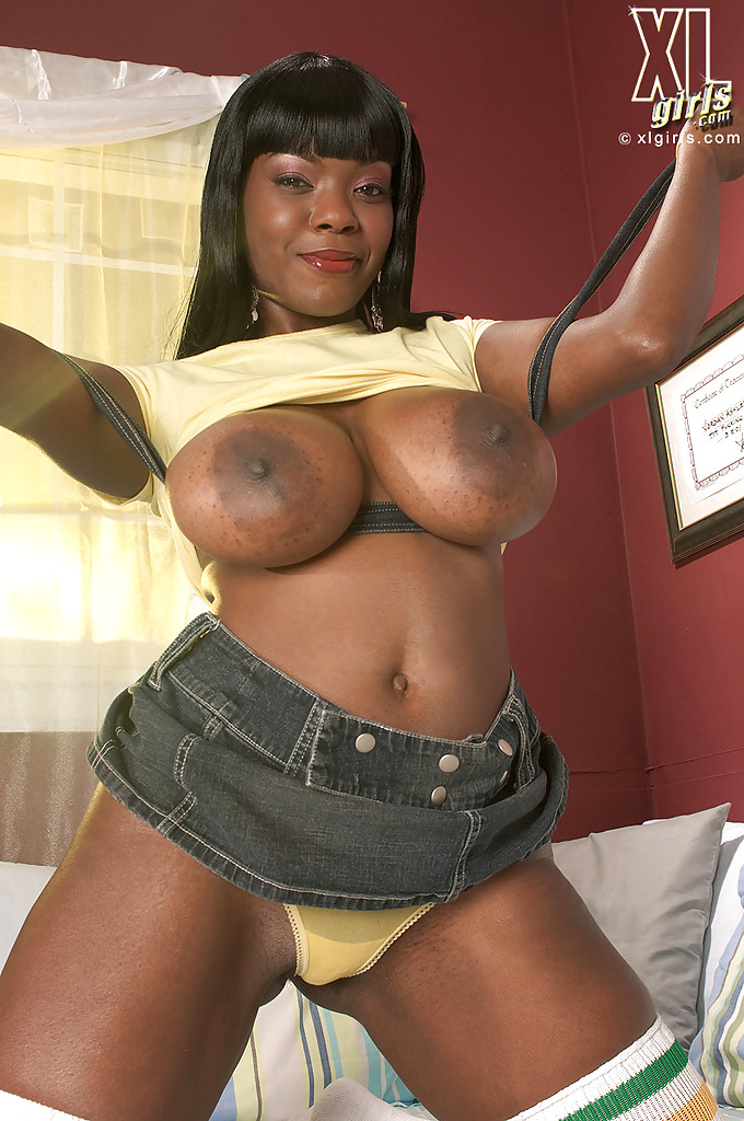 Naked fat dark girl