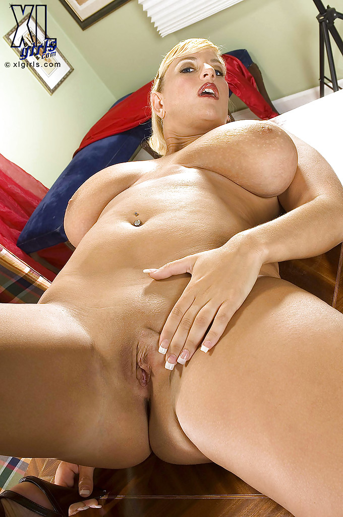 image Hot blonde plumper star staxx takes a fat coc