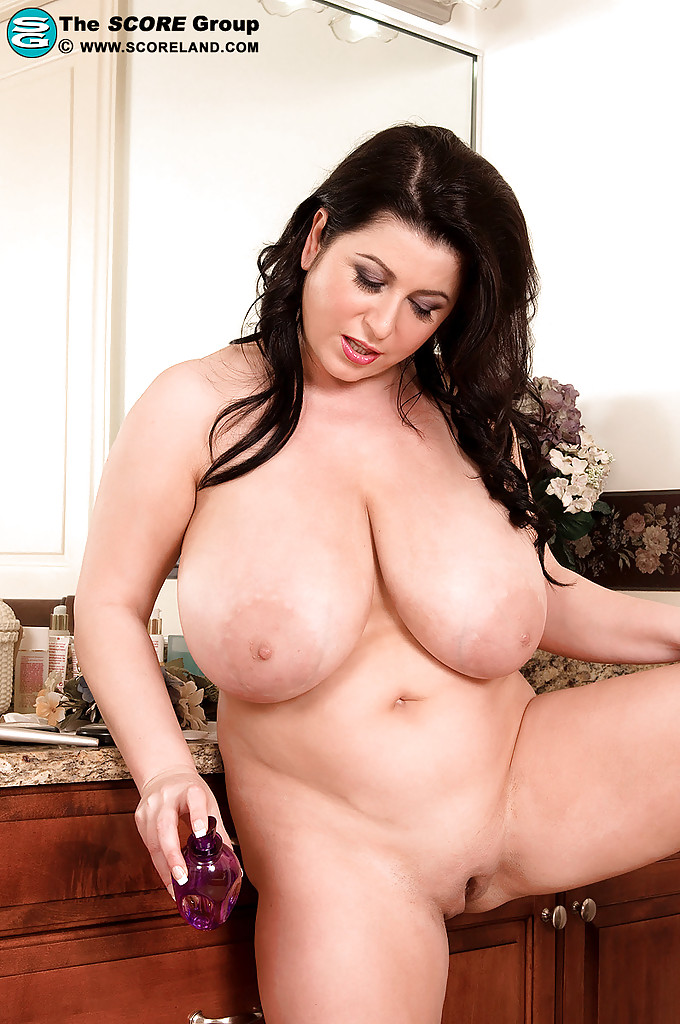 Emo extra thick woman naked