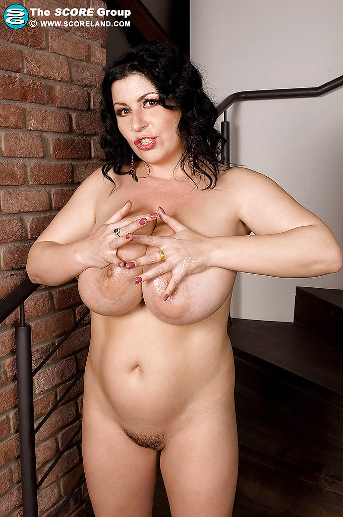 Chubby tits and pussy