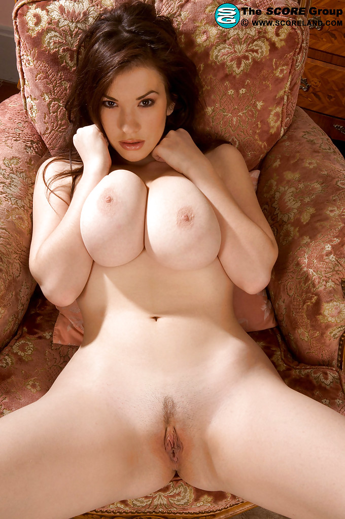 Naked female body pic