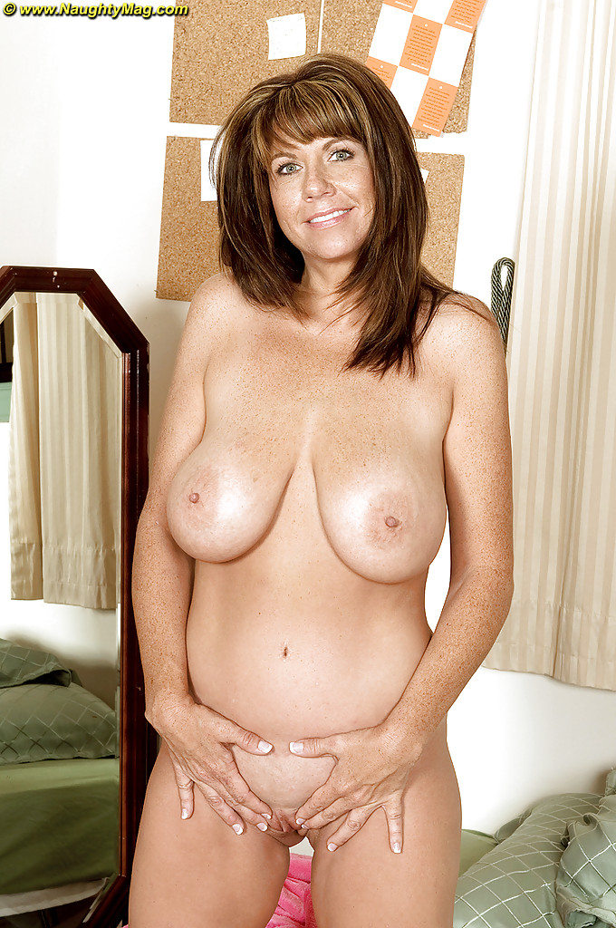 Naked amateur mature pretty — 5