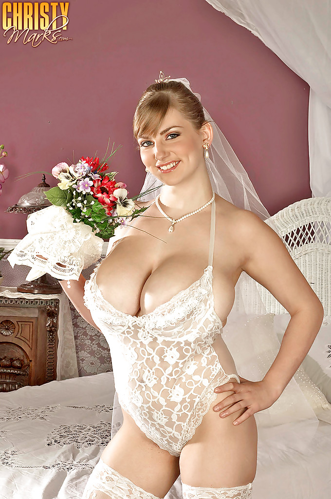 Excited Bra bride sluts read this