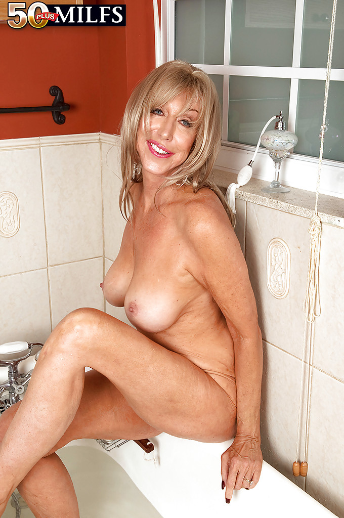 Nude cougar women showering sorry, that
