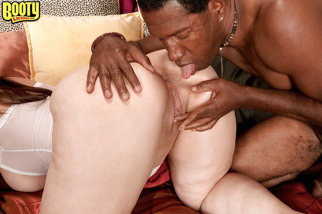 A good interracial trheesome 2