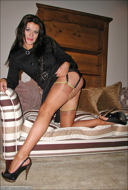 Nylons in hot legs