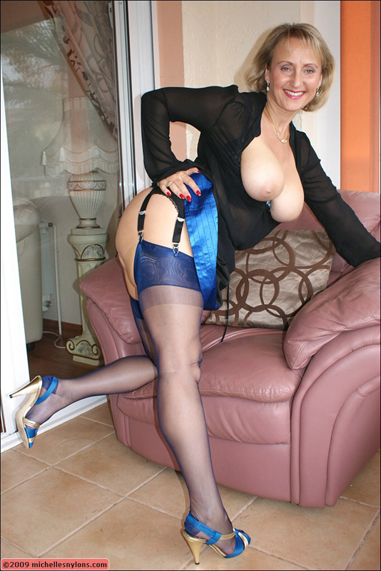Mature with nylons and sexy heels