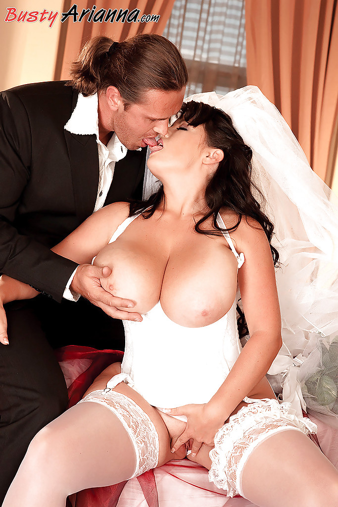 fat naked wedding night