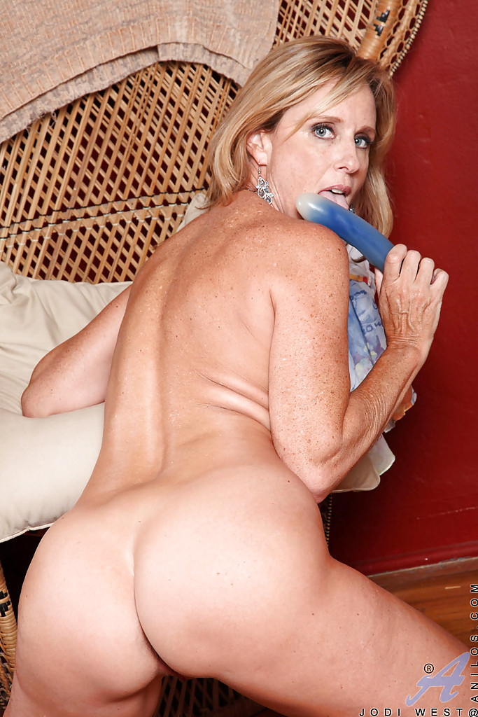 Consider, mature mom porn galleries consider