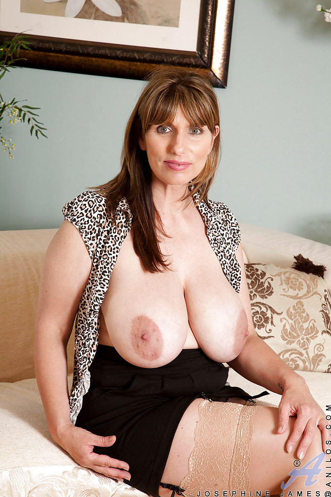 Mature milf lady josephine james