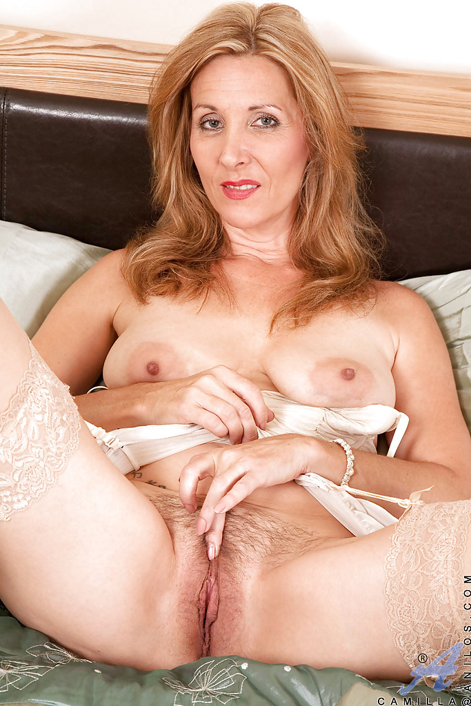 moms Nude mature