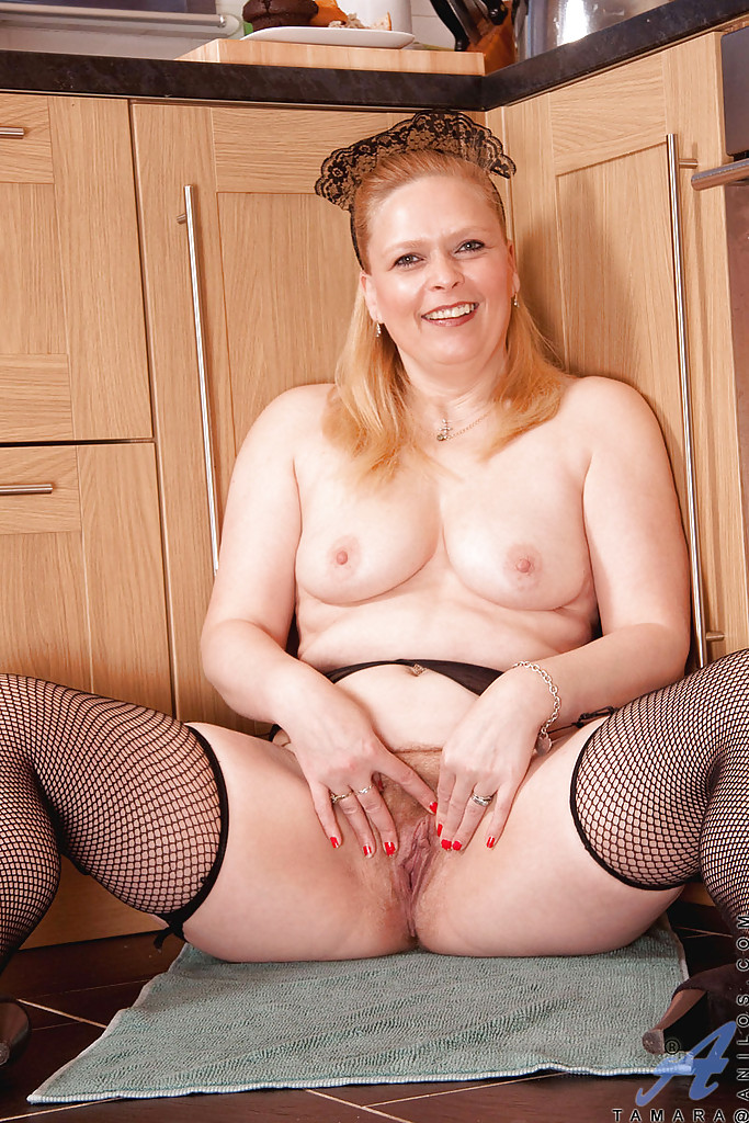 Mature stripping chubby