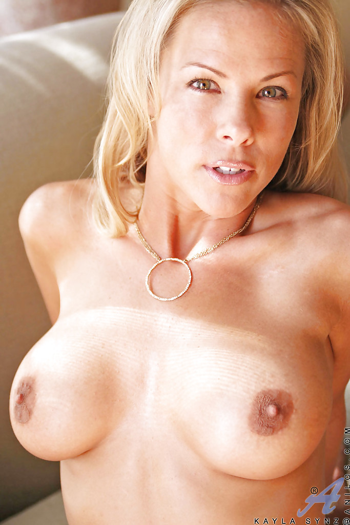 Fabulous big tit milf webcam 5