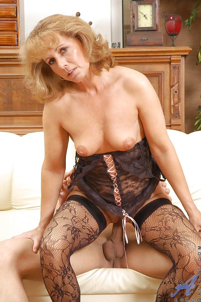 Can mature granny lingerie fucking congratulate