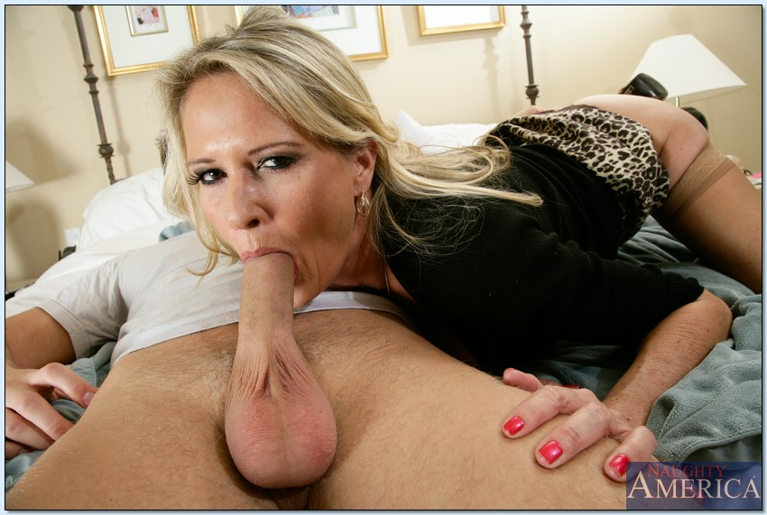 Big Tit Mature Deep Throat
