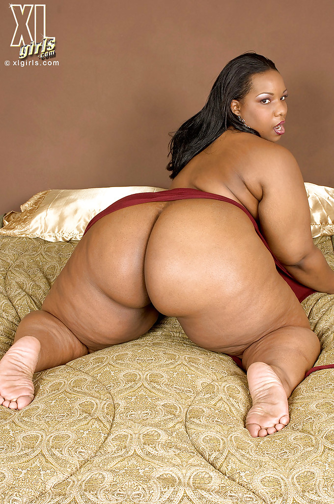 Plump nude black girls — photo 12