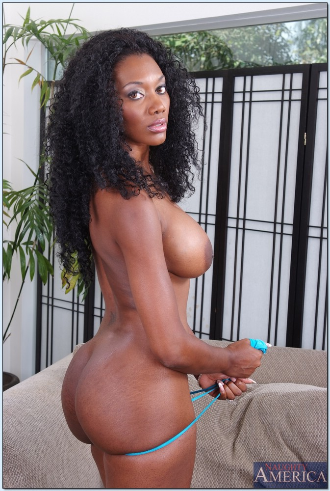 Ebony Thick Milf Takes Bbc