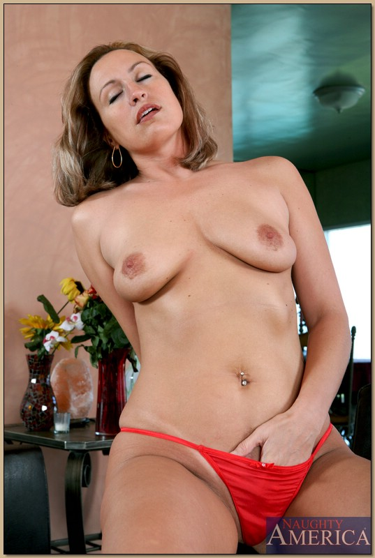 the Www seniorfriendfinder com love dressing super sexy