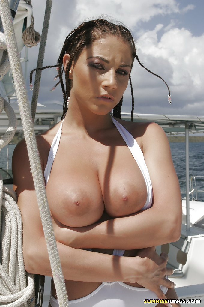 Big Tits Flashing - ... Voluptuous babe Roberta Misoni flashing big tits on the boat ...